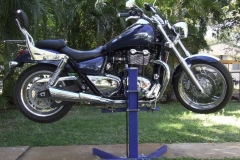 Triumph Thunderbird 1600 lifted with Big Blue motorcycle lift