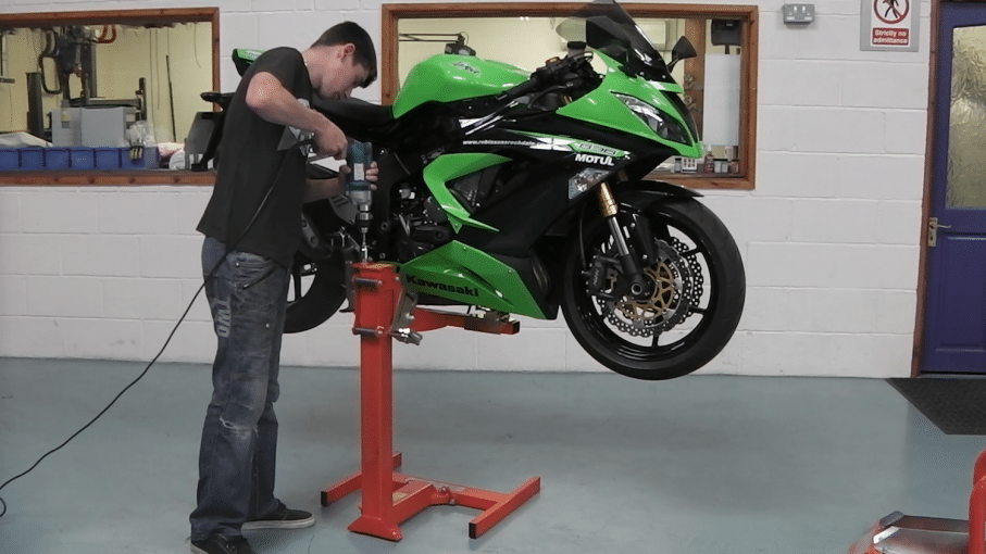 Kawasaki Ninja Servicing